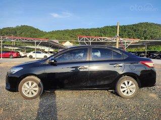 Cần bán gấp Toyota Vios năm sản xuất 2017, màu đen