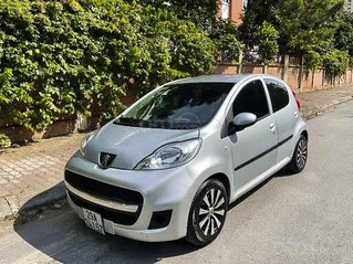 Cần bán gấp Peugeot 107 1.0 AT sản xuất 2010, màu bạc, xe nhập