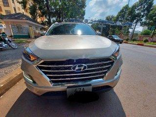 Bán xe Hyundai Tucson sản xuất năm 2021, màu bạc, xe nhập số tự động