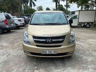 Cần bán Hyundai Grand Starex 9 chỗ 2.5D MT năm sản xuất 2010, màu vàng còn mới, 425tr