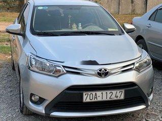 Cần bán xe Toyota Vios năm 2016, màu bạc, xe nhập xe gia đình
