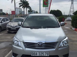 Cần bán xe Toyota Innova năm sản xuất 2013 còn mới, 320tr