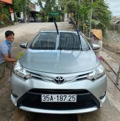 Bán Toyota Vios đời 2018, màu trắng số sàn, 379 triệu