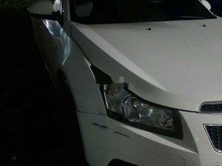 Cần bán gấp Chevrolet Cruze đời 2013, màu trắng đẹp như mới, giá tốt