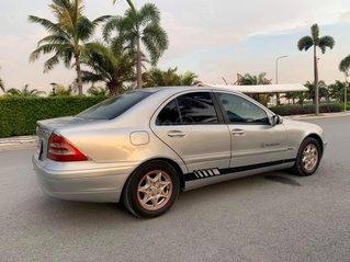 Bán xe Mercedes C180 đời 2002, màu bạc còn mới giá cạnh tranh 125tr