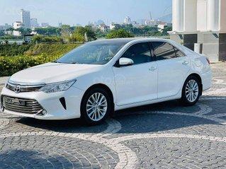 Bán gấp Toyota Camry 2.0E model 2016 cực đẹp, 1 chủ duy nhất từ khi mua