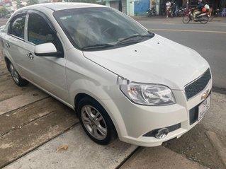 Bán Chevrolet Aveo đời 2017, màu trắng chính chủ, giá tốt
