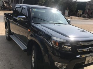 Bán Ford Ranger sản xuất năm 2011 màu đen, xe chính chủ, giá cực tốt