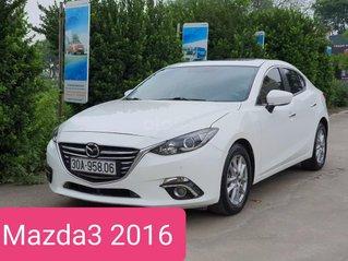 Cần bán gấp Mazda 3 1.5 AT sản xuất 2016, màu trắng