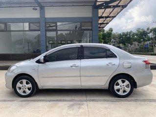 Cần bán lại xe Toyota Vios năm 2008, màu bạc giá cạnh tranh