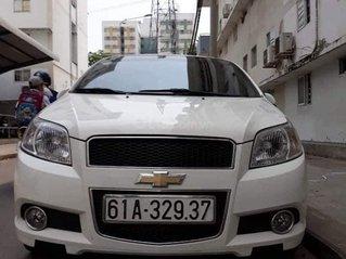 Cần bán gấp Chevrolet Aveo đời 2016, màu trắng số sàn, giá chỉ 250 triệu