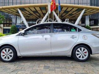 Cần bán Toyota Vios năm 2015, màu bạc, xe nhập