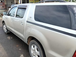 Cần bán Toyota Hilux năm sản xuất 2009, nhập khẩu nguyên chiếc, giá chỉ 295 triệu