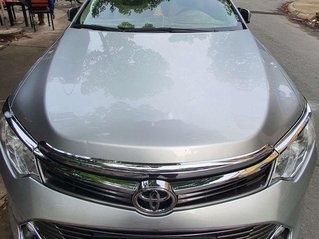 Bán xe Toyota Camry đời 2015, màu bạc còn mới, 705 triệu
