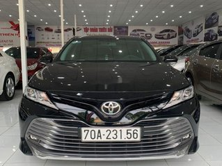 Cần bán xe Toyota Camry năm sản xuất 2019, nhập khẩu còn mới