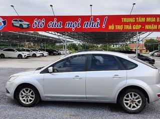 Cần bán gấp Ford Focus sản xuất năm 2010, màu bạc số tự động, giá 282tr