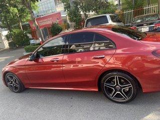 Cần bán gấp Mercedes C300 năm 2019, màu đỏ như mới