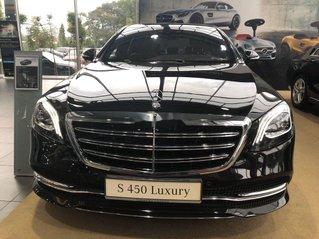 Cần bán Mercedes Luxury đời 2021, màu đen