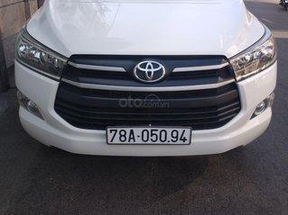 Cần bán xe Toyota Innova sản xuất năm 2018, giá tốt