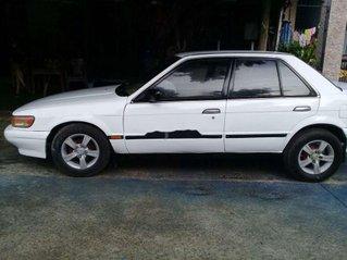 Cần bán Nissan Bluebird sản xuất 1986, màu trắng chính chủ
