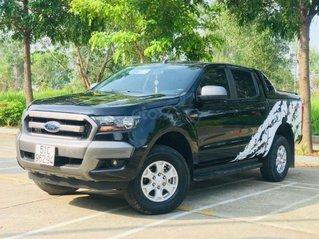 Cần bán gấp Ford Ranger đời 2017, màu đen như mới