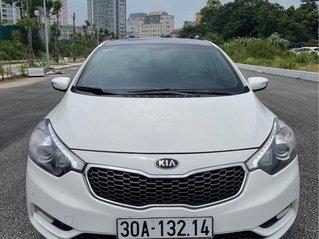 Cần bán gấp Kia K3 sản xuất 2014, màu trắng