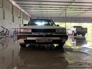 Bán Nissan Bluebird đời 1986, màu trắng chính chủ, 23 triệu