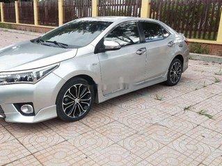 Cần bán Toyota Corolla Altis sản xuất năm 2014 xe gia đình giá cạnh tranh