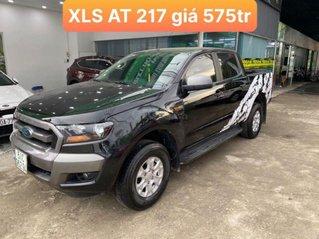Cần bán xe Ford Ranger XLS AT năm 2017, màu đen, giá 575tr