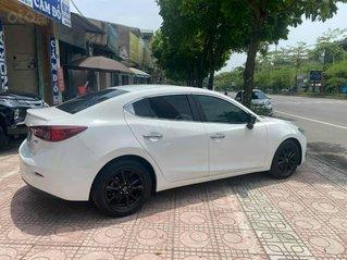 Xe Mazda 3 sản xuất 2015, màu trắng