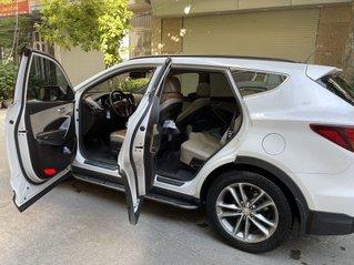 Cần bán lại xe Hyundai Santa Fe sản xuất 2017