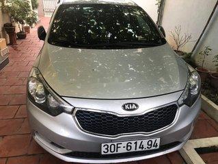 Cần bán xe Kia K3 sản xuất 2014, màu bạc xe gia đình, 420tr