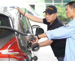 Những điểm cần lưu ý khi đi bơm xăng, dầu ô tô