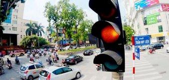 Tài xế Việt và những hành vi lái xe nguy hiểm khó bỏ