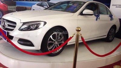 Cần bán xe Mercedes C200 đời 2015, màu trắng, xe trúng thưởng