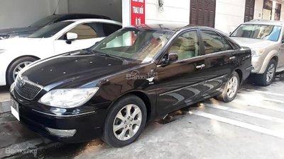 Cần bán lại xe Toyota Camry 3.0V sản xuất năm 2005, màu đen