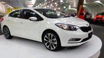 Bán xe Kia K3 đời 2016, màu trắng, nhập khẩu
