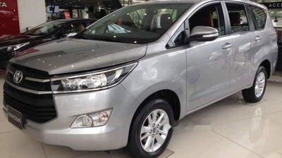 Bán ô tô Toyota Innova sản xuất 2019, màu bạc giá cạnh tranh
