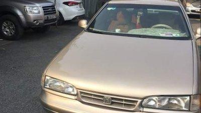 Bán ô tô Hyundai Avante năm sản xuất 1991, màu vàng, nhập khẩu