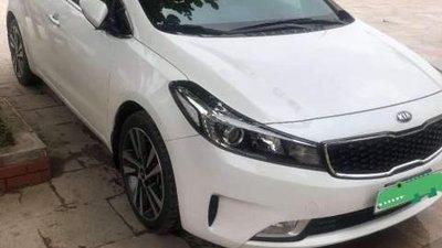 Bán Kia Cerato 1.6 MT năm sản xuất 2018, màu trắng số sàn