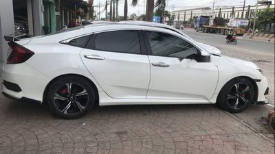 Cần bán Honda Civic 1.5L bản full, xe nhà đi kĩ