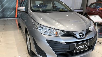 Cần bán xe Toyota Vios sản xuất 2019, màu bạc, số sàn, giá 465 triệu