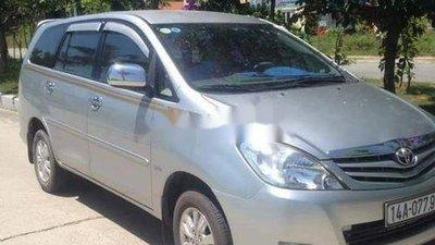 Cần bán lại xe Toyota Innova sản xuất 2010, màu bạc, chính chủ