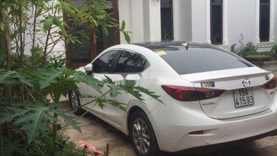 Bán xe Mazda 3 sản xuất 2017, màu trắng xe nguyên bản
