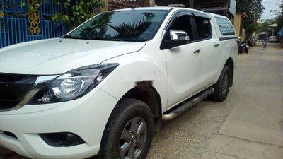 Cần bán Mazda BT 50 sản xuất 2016, màu trắng, nhập khẩu nguyên chiếc