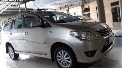 Bán ô tô Toyota Innova sản xuất năm 2014, màu bạc xe gia đình