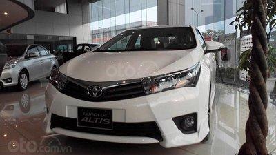 Với 210 triệu, sở hữu ngay Toyota Corolla Altis 1.8 G CVT đời 2019, màu trắng
