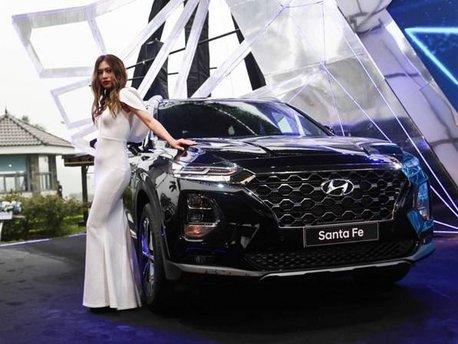 Bán Hyundai Santa Fe năm 2020, màu đen