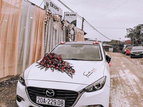 Cần bán Mazda 3 đời 2017, màu trắng, xe chính chủ