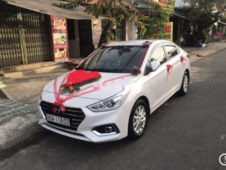 Cần bán Hyundai Accent sản xuất 2019, màu trắng